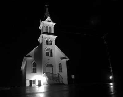 2006_church_in_douglas_at_night